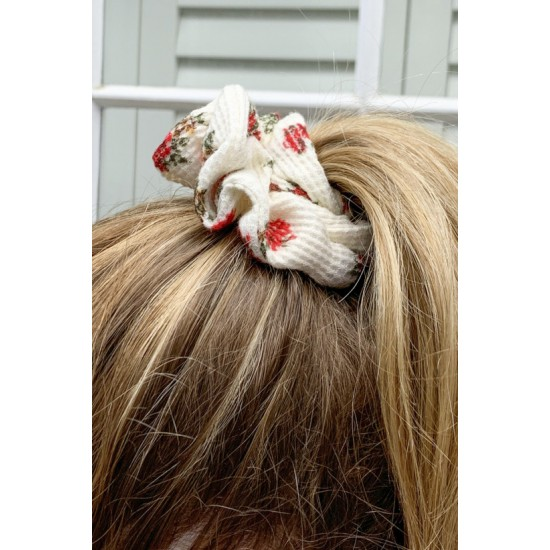 Online Sale Brandy Melville White and Red Floral Scrunchie